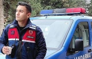 TSK'de görev yapan 21 yaşındaki Celal Cankatar...
