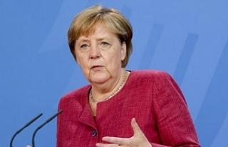 Merkel'den 'Taliban'la diyalog devam etmeli'...