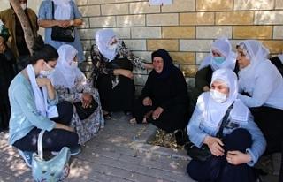 Barış Anneleri'nden Emine Şenyaşar'a...