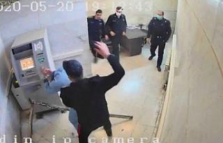 İran'da Kürt aktivist Mangouri işkenceyle...