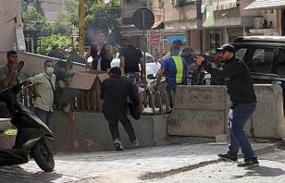 Beyrut'ta protesto gösterisine ateş açıldı:...