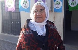 Kanser tedavisi gören 70 yaşındaki Barış Annesi...