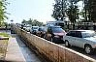 Anneler Günü Edirne'de Köprüleri İstanbul Trafiğine...
