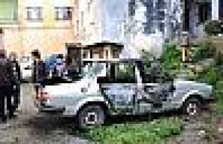 Trabzon'da Park Halindeki Araç Yandı