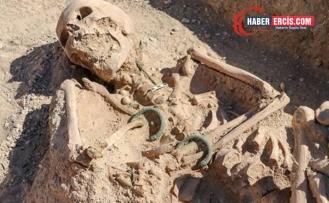 Gürpınar'da Urartulu bir kadın mezarı bulundu