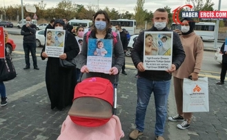 Aileler SMA ilaçları için Sağlık Bakanlığı önünde eylem yaptı