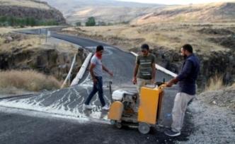 Van Muradiye'de Tarihi Şeytan Köprüsüne Dökülen Asfalt Söküldü