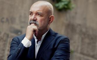 Ercan Kesal yönetmen koltuğuna oturdu