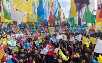Van'da: 'HDP'ye çalışma bakım paran kesilir'