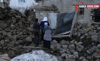 Van'da Depremzedelerden engellenen yardım tepkisi: Bir tas çorbayla olmaz