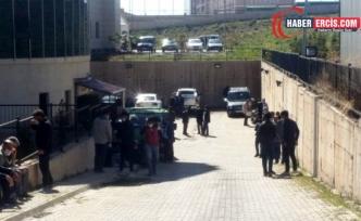 Özalp'ta belediye aracına saldırı: 2 ölü, bir yaralı