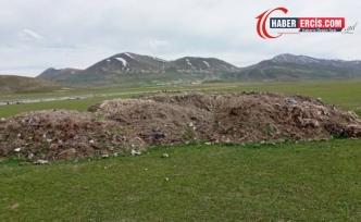 Van'da Kayyım yönetimindeki belediye çöpleri meralara boşalttı