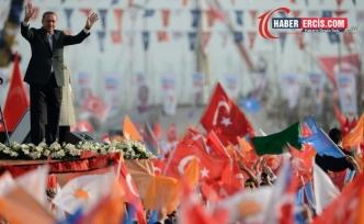AKP Erciş'te 'Cumhurbaşkanına hakaret' davası açılan kişiyi de AKP üyesi yaptı
