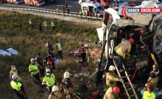 İstanbul'da yolcu otobüsü yoldan çıktı: 5 ölü, 25 yaralı