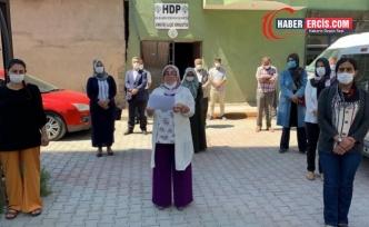 HDP Erciş Kadın Meclisi: 'Kızım kalk yolum uzun yüküm ağır' sözünü asla unutturmayacağız'