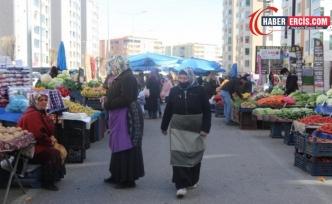 Jiyan Semt Pazarı'nda erkek ve zabıta baskısı