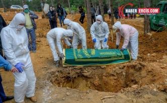 Koronavirüsten 242 kişi daha hayatını kaybetti
