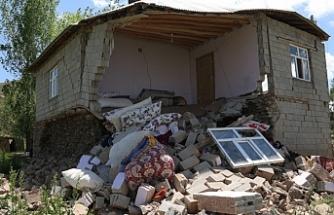 Van'da Depremzedeler: Bir ekmeğe muhtaç durumdayız