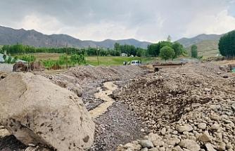 Van'da sel ve su baskınlarına karşı uyarı