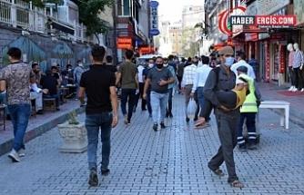 Vanlılar: 'Krizin tek sorumlusu AKP'