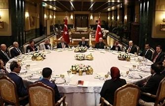 AKP hükümetinin 'itibar' gideri: 300 milyon TL