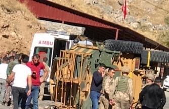 Askeri araç kaza yaptı:  4'ü ağır 11 asker yaralandı