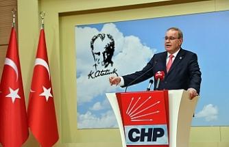 CHP'li Öztrak: Yürüyüş hakkı ÖSO bayraklı suriyelilere tanınıyor