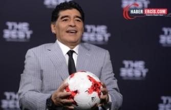 Arjantinli efsane futbolcu Maradona hayatını kaybetti