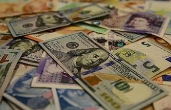 Piyasalar yeni kararlara güvenmedi: Dolar 8 TL'ye koşuyor