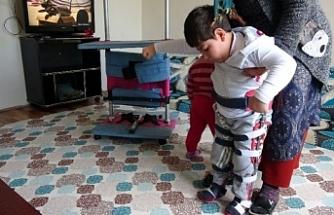 Van'da küçük Enes tek hayali olan yürümek için yardım eli bekliyor