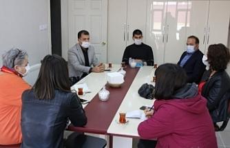 Van'da Mülteci Dayanışma Ağı kaza yapan mültecileri hastanede ziyaret etti