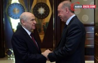 AKP'nin kurucularından Albayrak: Cumhur İttifakı kaybediyor