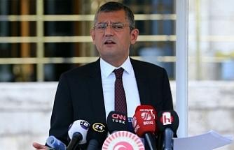 Özel'den AKP'ye: Tek millet, tek devlet, tek lider Adolf Hitler. Tanıdık geldi mi Ömer Bey!