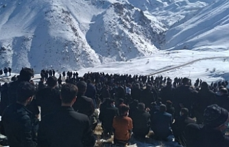 Van'da çığ altında kalan Kolberler İran'da toprağa verildi