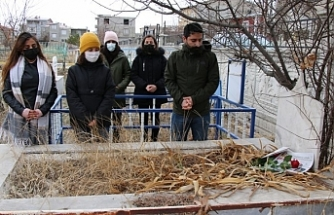 Van'da Meslektaşları Karaağar'ı mezarı başında andı