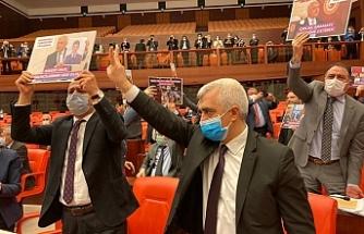 Gergerlioğlu'na götürülen bere 'kar maskesi olarak kullanılabilir' gerekçesiyle verilmedi