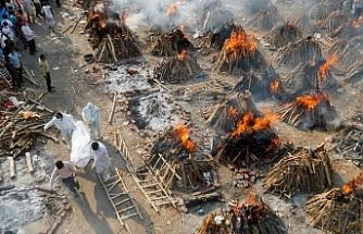 Hindistan'da günlük can kayıpları 4 bine dayandı