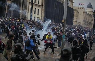 Kolombiya'daki hükümet karşıtı eylemlerde 380 kişi kaybedildi