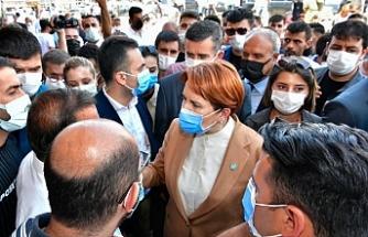Akşener Erciş'te esafları ziyaret etti