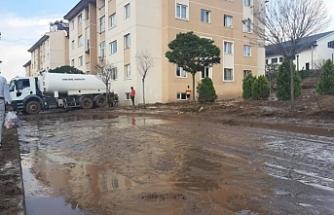 Van'da TOKİ'nin deprem sonrası yaptığı konutlar su altında kaldı