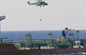 Alman savaş gemisi Türkiye'ye ait kargo gemisini durdurarak silah aradı