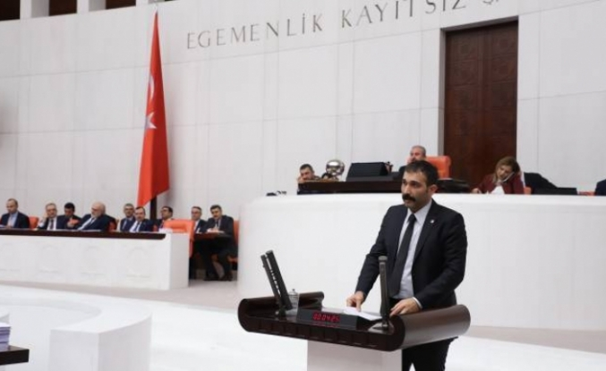 Atay: AKP Hubris sendromu yaşıyor