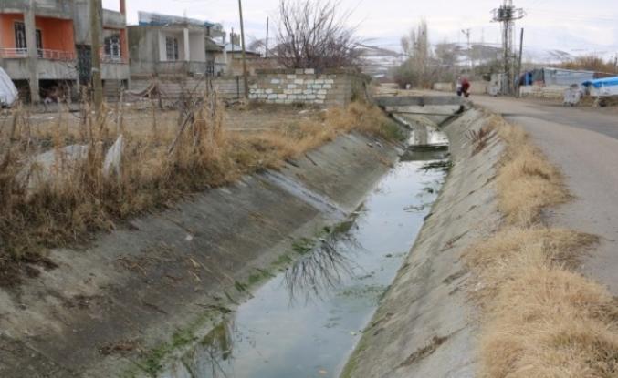 Van'da Su kanalı tehlike saçıyor