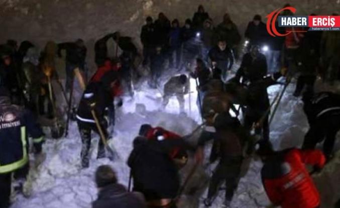Van'daki çığ faciasından acı haber: Çığ altında 4 kişinin cansız bedenine ulaşıldı