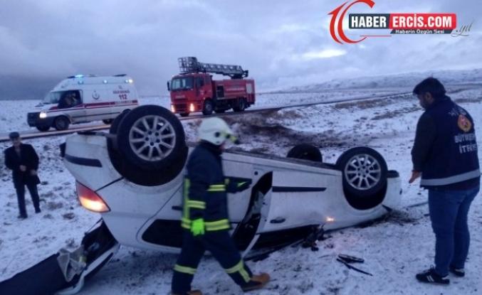 Özalp'ta trafik kazası; 2 yaralı