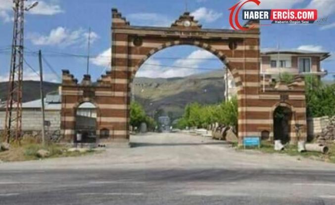 Muradiye ilçesine bağlı Ünseli Mahallesinde Koronavisü sebebiyle giriş çıkışlar yasaklandı