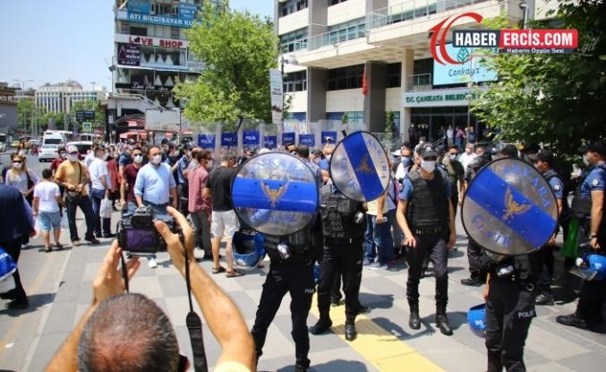 Hayat pahalılığına karşı açıklama polis tarafından engellendi