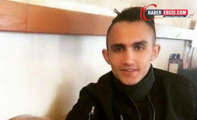 Erciş'te 24 yaşındaki genç bıçaklanarak öldürüldü