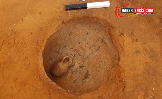 Çömlek İçinde 3.800 Yıllık Bebek İskeleti Bulundu