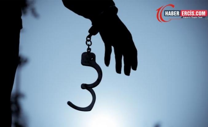Gürpınar'da ev baskını: Bir gözaltı
